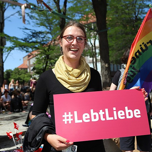 CSD Kiel - Demonstration & Straßenfest - 878x betrachtet