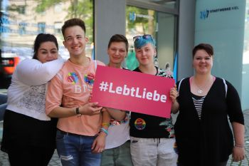CSD Kiel - Demonstration & Straßenfest / 588x betrachtet