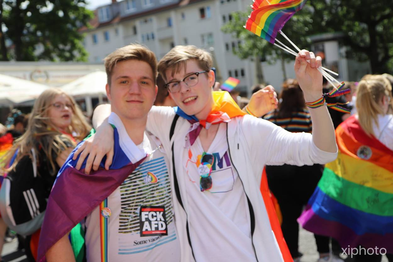 CSD Hannover - Demonstration & Strassenfest / 252x betrachtet