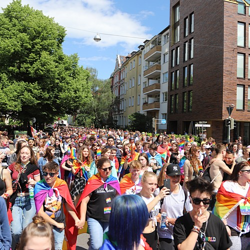 CSD Hannover - Demonstration & Strassenfest - 737x betrachtet