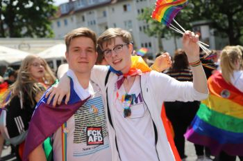 CSD Hannover - Demonstration & Strassenfest / 525x betrachtet