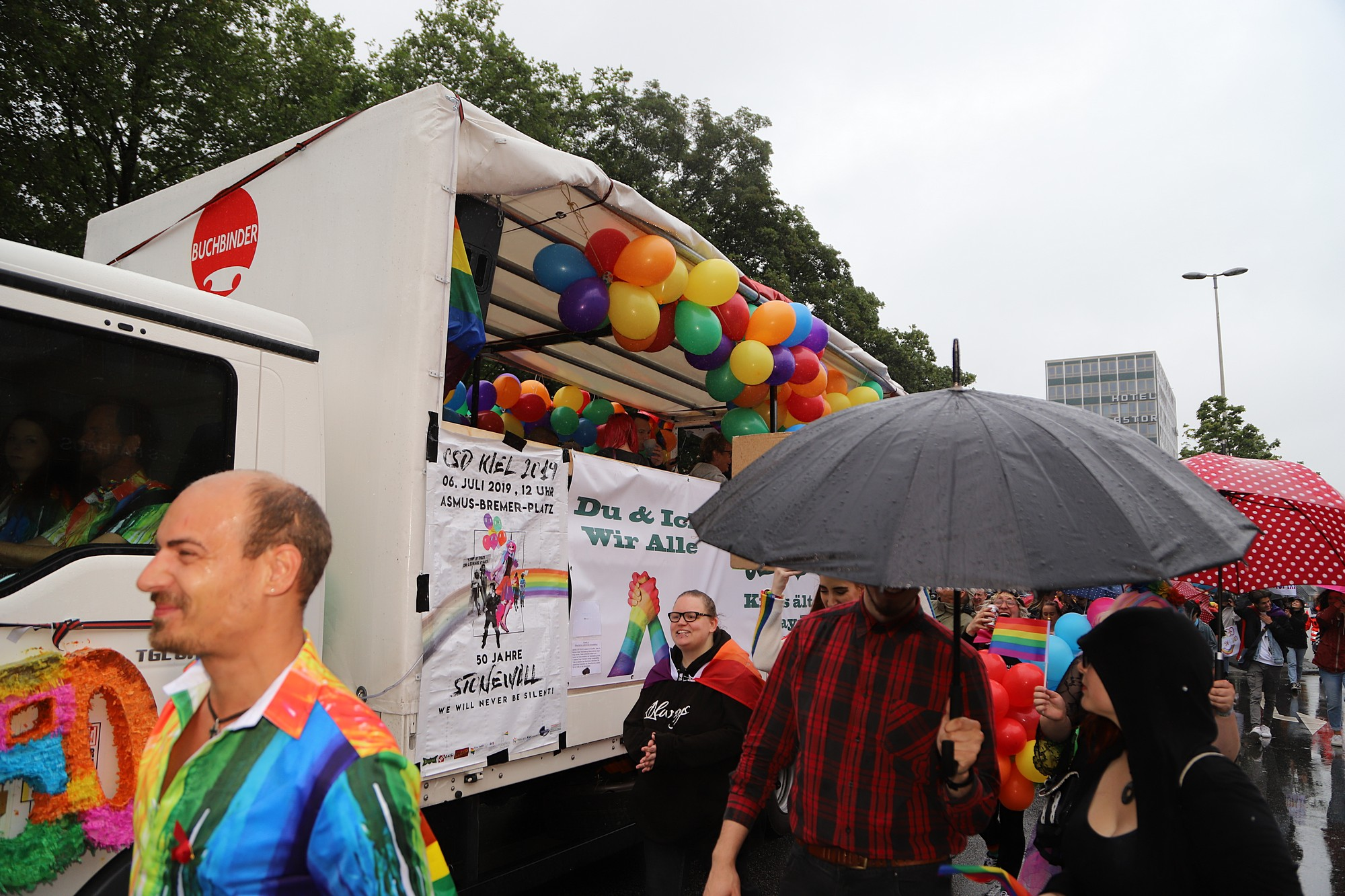 CSD Kiel - Demonstration & Straßenfest / 382x betrachtet