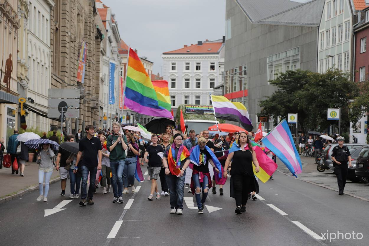 Lübeck Pride - Demonstration & Strassenfest / 116x betrachtet